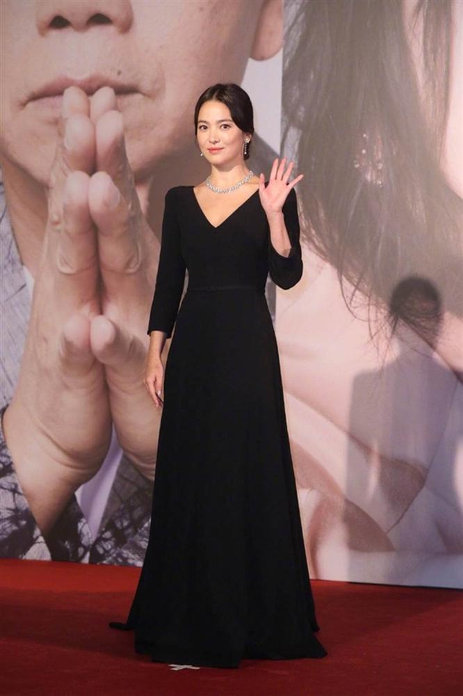 Thảm đỏ Oscar Hong Kong 2019: Song Hye Kyo đọ sắc với Hồ Định Hân, Thái Trác Nghiên-9