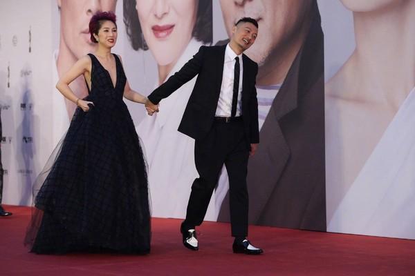 Thảm đỏ Oscar Hong Kong 2019: Song Hye Kyo đọ sắc với Hồ Định Hân, Thái Trác Nghiên-15