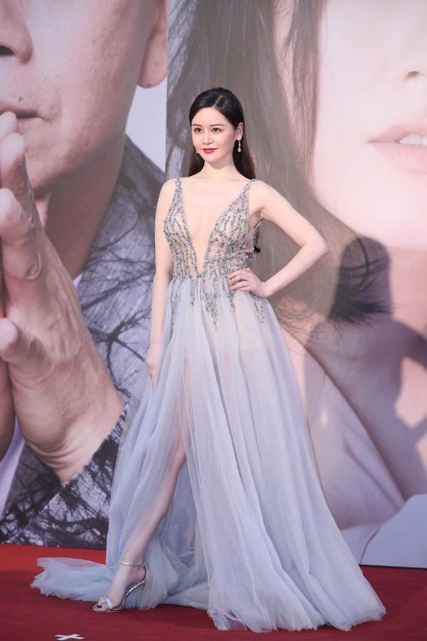 Thảm đỏ Oscar Hong Kong 2019: Song Hye Kyo đọ sắc với Hồ Định Hân, Thái Trác Nghiên-26