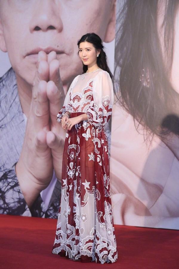 Thảm đỏ Oscar Hong Kong 2019: Song Hye Kyo đọ sắc với Hồ Định Hân, Thái Trác Nghiên-27