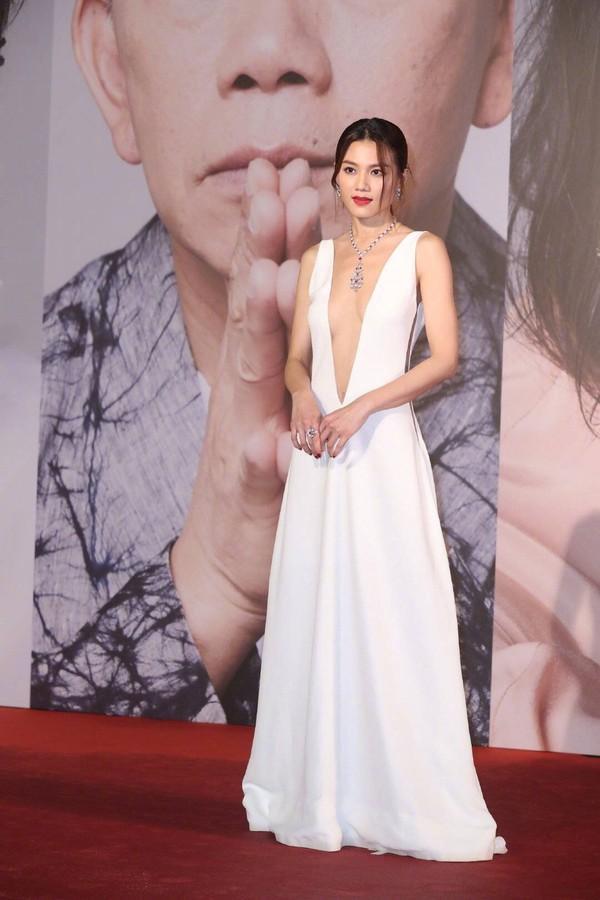 Thảm đỏ Oscar Hong Kong 2019: Song Hye Kyo đọ sắc với Hồ Định Hân, Thái Trác Nghiên-42