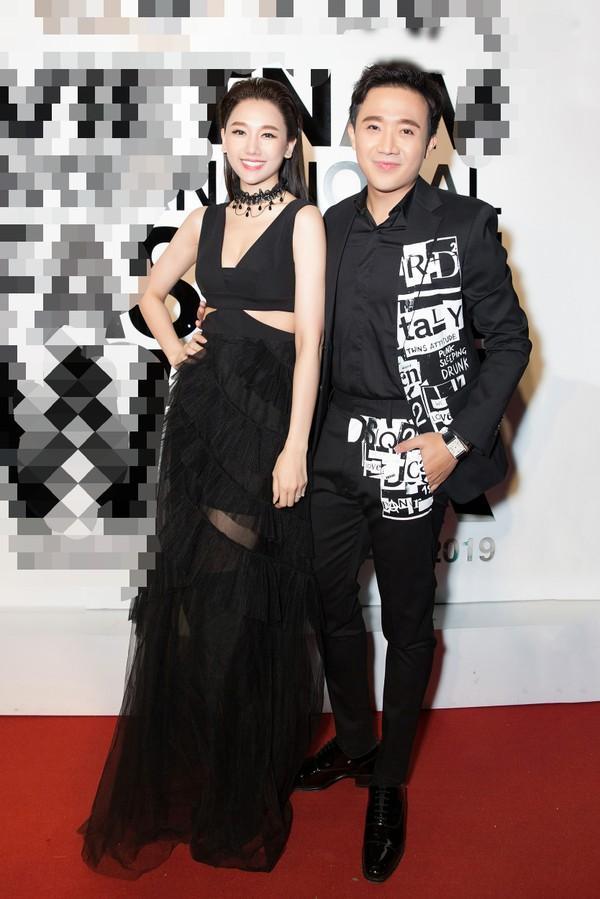 Không chỉ chăm diện đồ đôi, Trấn Thành - Hari Won bây giờ còn kẻ lông mày như thể copy - paste-4