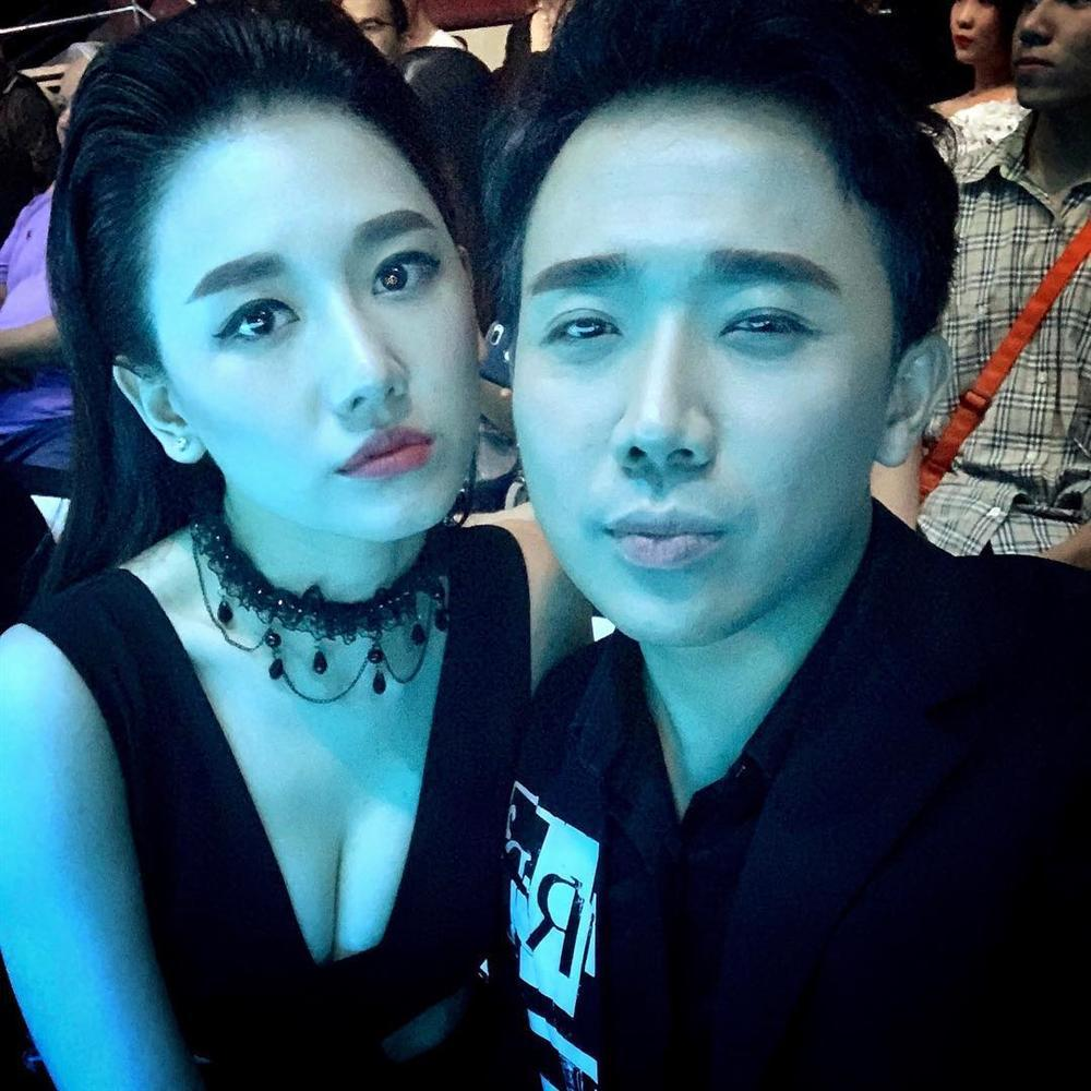 Không chỉ chăm diện đồ đôi, Trấn Thành - Hari Won bây giờ còn kẻ lông mày như thể copy - paste-2