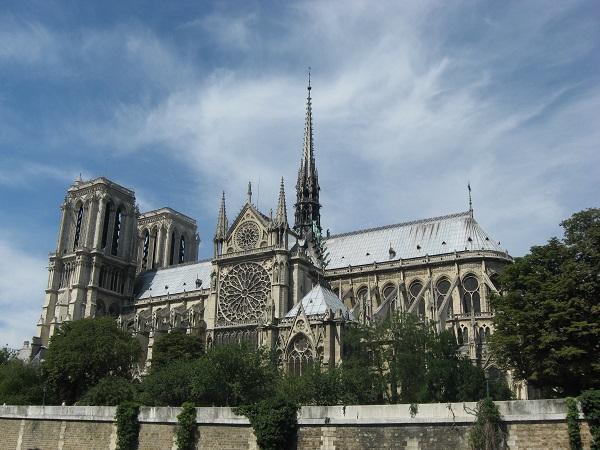 Hỏa hoạn nhà thờ Đức Bà Paris: Nước mắt rơi trong ngày 'hồn thiêng' nước Pháp sụp đổ-2