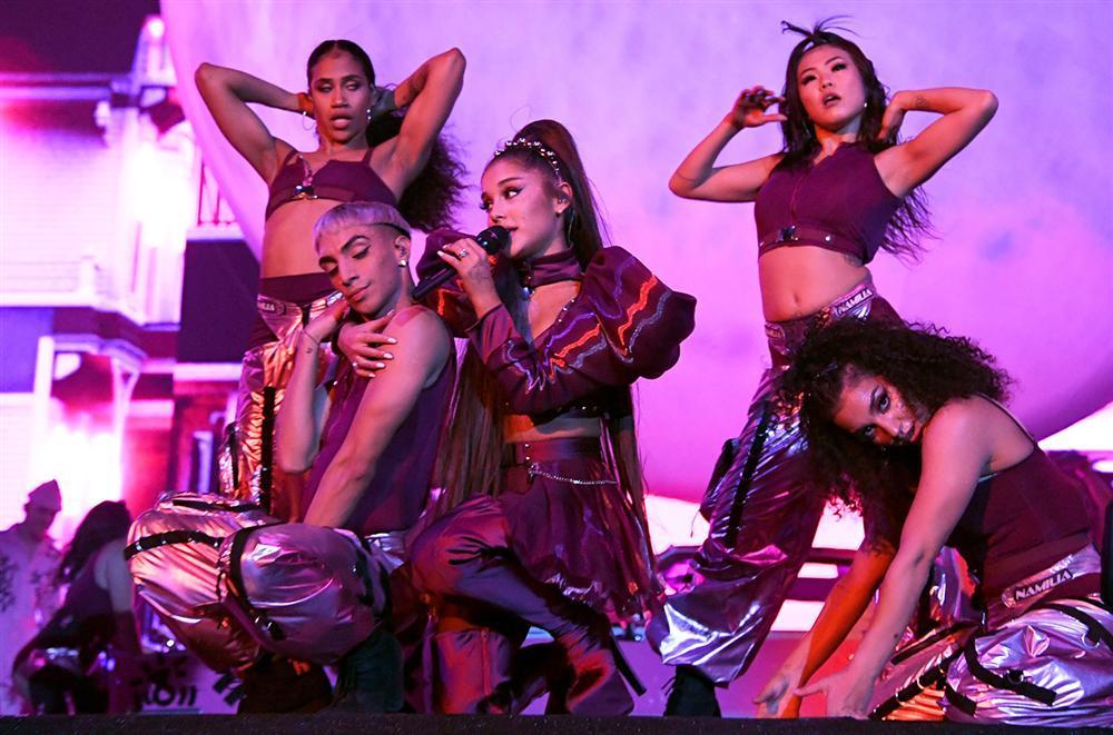 Fan nhận định màn cãi lộn căng nhất đại nhạc hội Coachella chắc chắn thuộc về Nicki Minaj và Ariana Grande-1