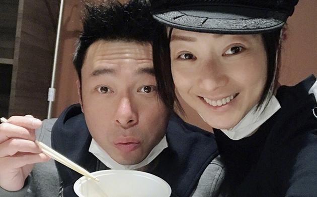 Chồng diva đình đám Hong Kong bị lộ ảnh thân mật với người tình Á hậu trong xe ô tô-3