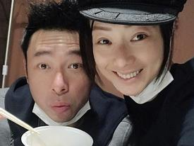 Chồng diva đình đám Hong Kong bị lộ ảnh thân mật với người tình Á hậu trong xe ô tô