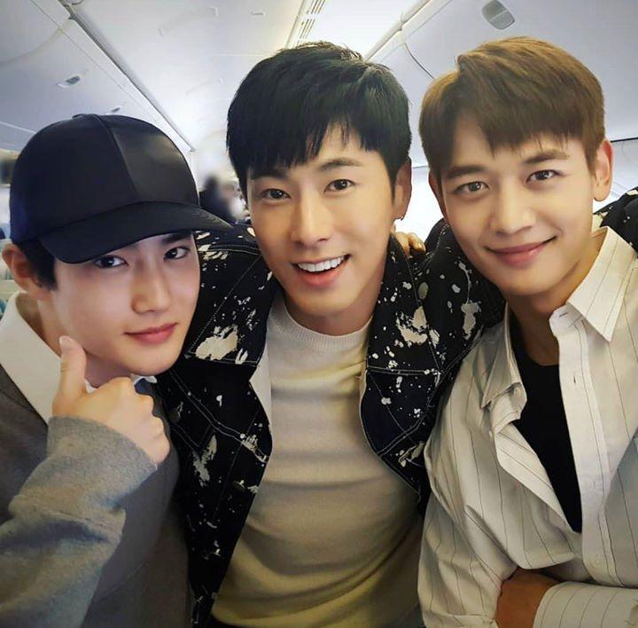 Chủ tịch đảng nhiệt huyết Yunho cùng Changmin, EXO, Red Velvet quẩy banh nóc concert Super Junior Eunhyuk và Donghae-1
