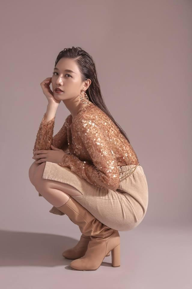 Hari Won bị cộng đồng mạng chê tơi tả vì mặt xinh mà tư thế tạo dáng kém duyên-2