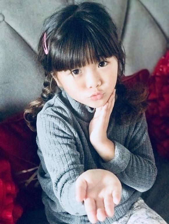 Thúy Nga cứng họng khi con gái 7 tuổi hỏi: Mẹ có chồng không?-2