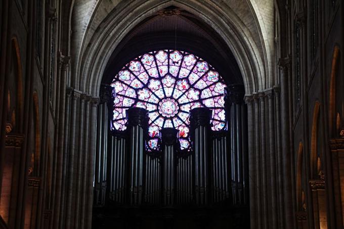 Kho báu vật được cứu trong Nhà thờ Đức Bà Paris-3