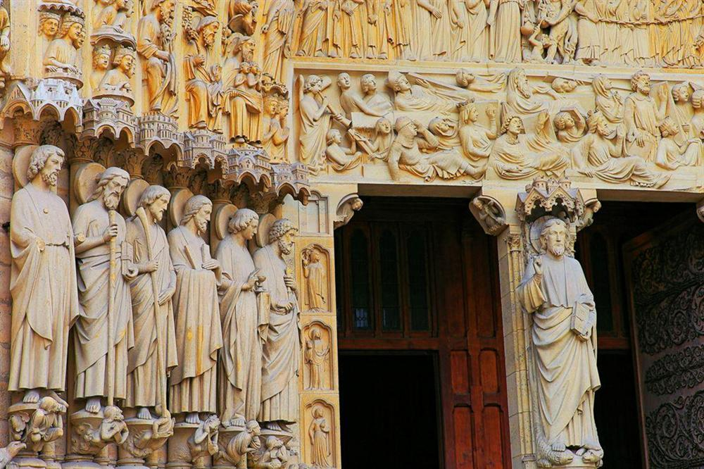 Hồi ức về Nhà thờ Đức Bà, kiến trúc hoàn mỹ của nhân loại-4
