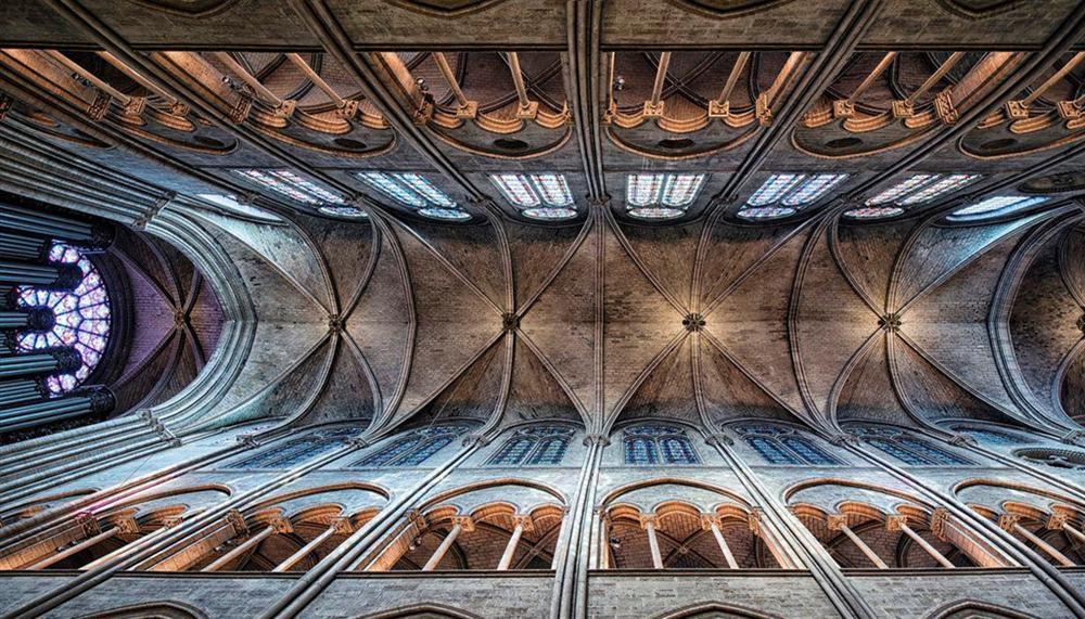 Hồi ức về Nhà thờ Đức Bà, kiến trúc hoàn mỹ của nhân loại-9