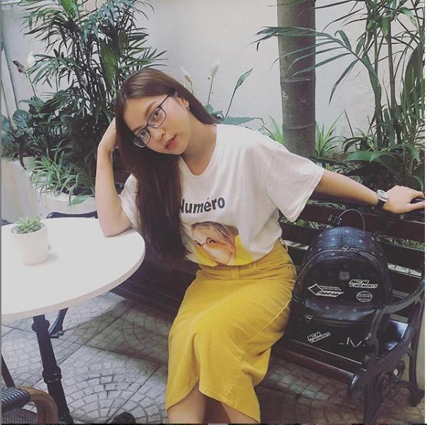 Bị la ó vì khoe vòng 1 quá đà, bạn gái Quang Hải bỗng ăn mặc kín đáo bất ngờ-6