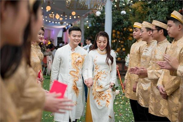 Đám cưới khủng ở Hưng Yên: Bố giàu nứt đố đổ vách bảo sao dựng rạp thôi cũng ngốn 2 tỷ lại mời cả ca sĩ Đan Trường-14