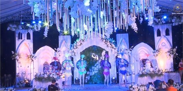 Đám cưới khủng ở Hưng Yên: Bố giàu nứt đố đổ vách bảo sao dựng rạp thôi cũng ngốn 2 tỷ lại mời cả ca sĩ Đan Trường-10