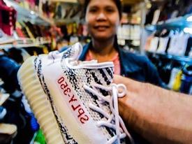 Anh Tây đi mua đồ fake ở Bắc Kinh và kỹ năng trả giá thượng thừa