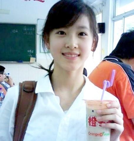 hot-girl-tra-sua-3.jpg