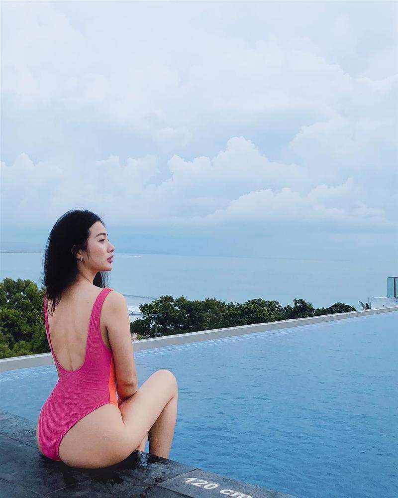 Trong khi Lương Bằng Quang ồn ào chuyện tình cảm thì tình cũ Yaya Trương Nhi ngày càng xinh đẹp và gợi cảm-8