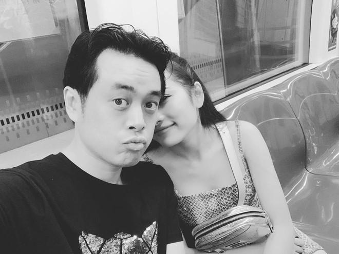 Dương Khắc Linh và bạn gái kém 13 tuổi thoải mái tình tứ trên MXH-2