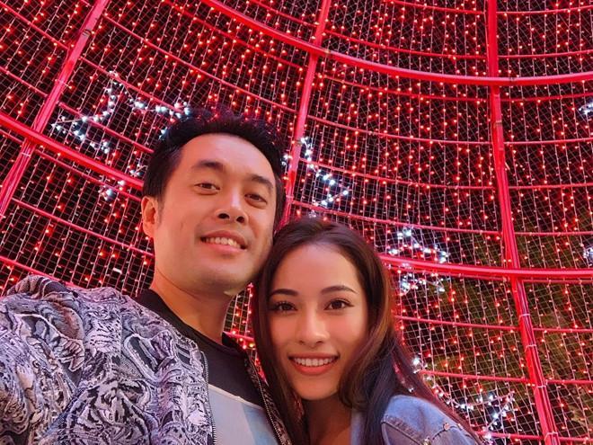 Dương Khắc Linh và bạn gái kém 13 tuổi thoải mái tình tứ trên MXH-3