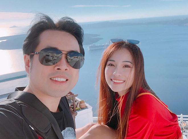 Dương Khắc Linh và bạn gái kém 13 tuổi thoải mái tình tứ trên MXH-4