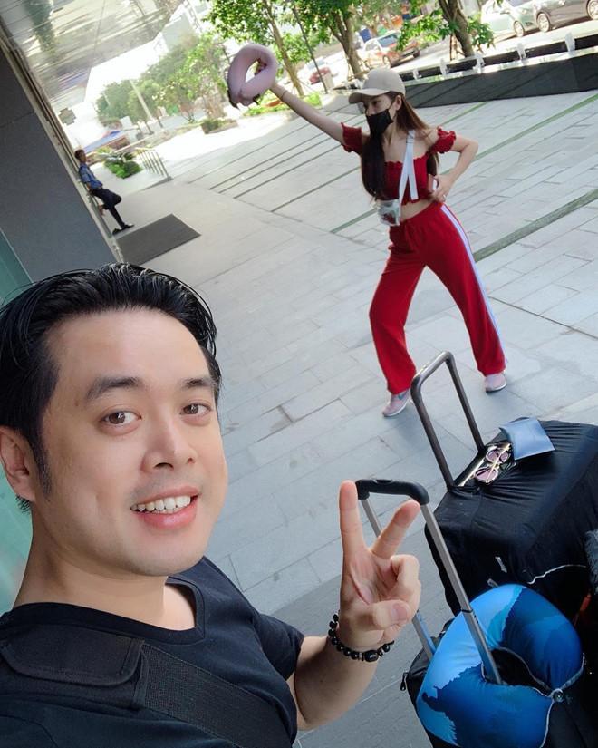 Dương Khắc Linh và bạn gái kém 13 tuổi thoải mái tình tứ trên MXH-6