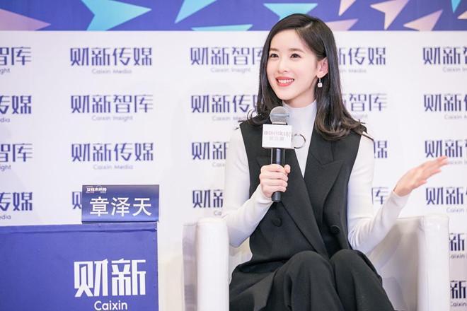 Hot girl trà sữa từ tỷ phú trẻ nhất Trung Quốc đến cô vợ đáng thương-11