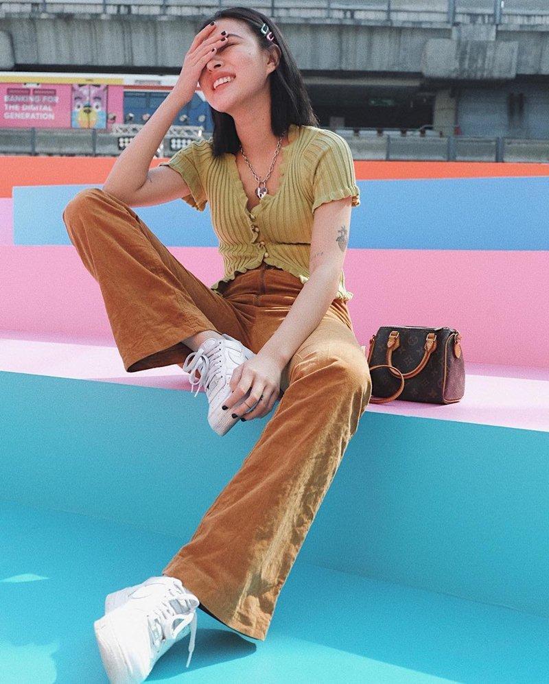 STREET STYLE giới trẻ: Hoàng Yến Chibi khoe ngực khủng - Jun Vũ mát mẻ với bikini xanh nõn chuối-10
