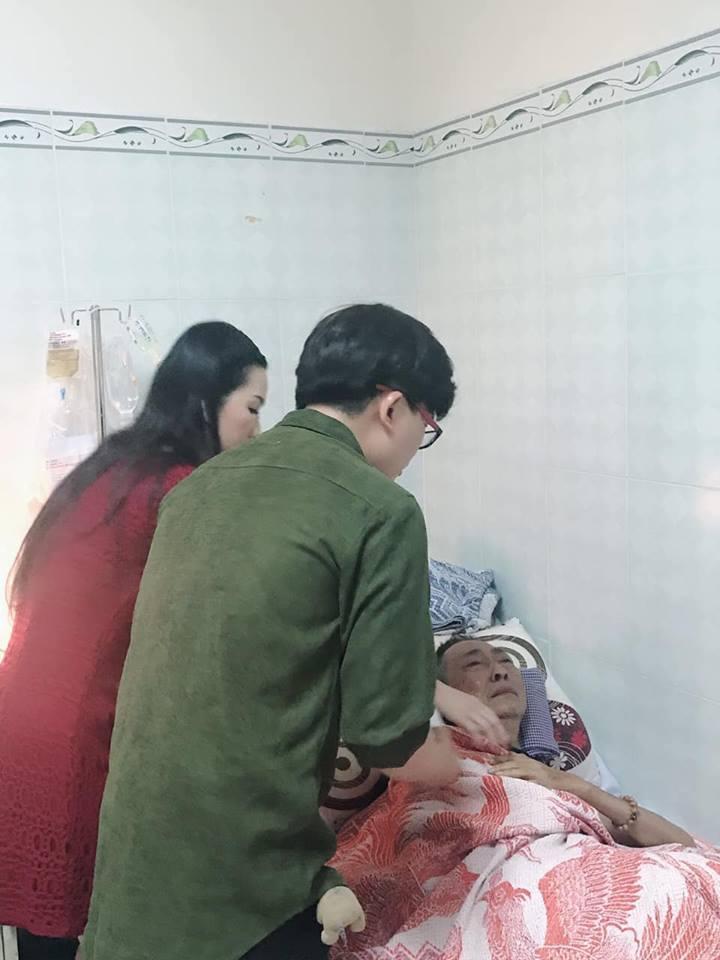 Nghệ sĩ Lê bình đã tỉnh táo hơn nhưng tâm trạng vô cùng nhạy cảm, liên tục rơi nước mắt mỗi khi có người đến thăm-2