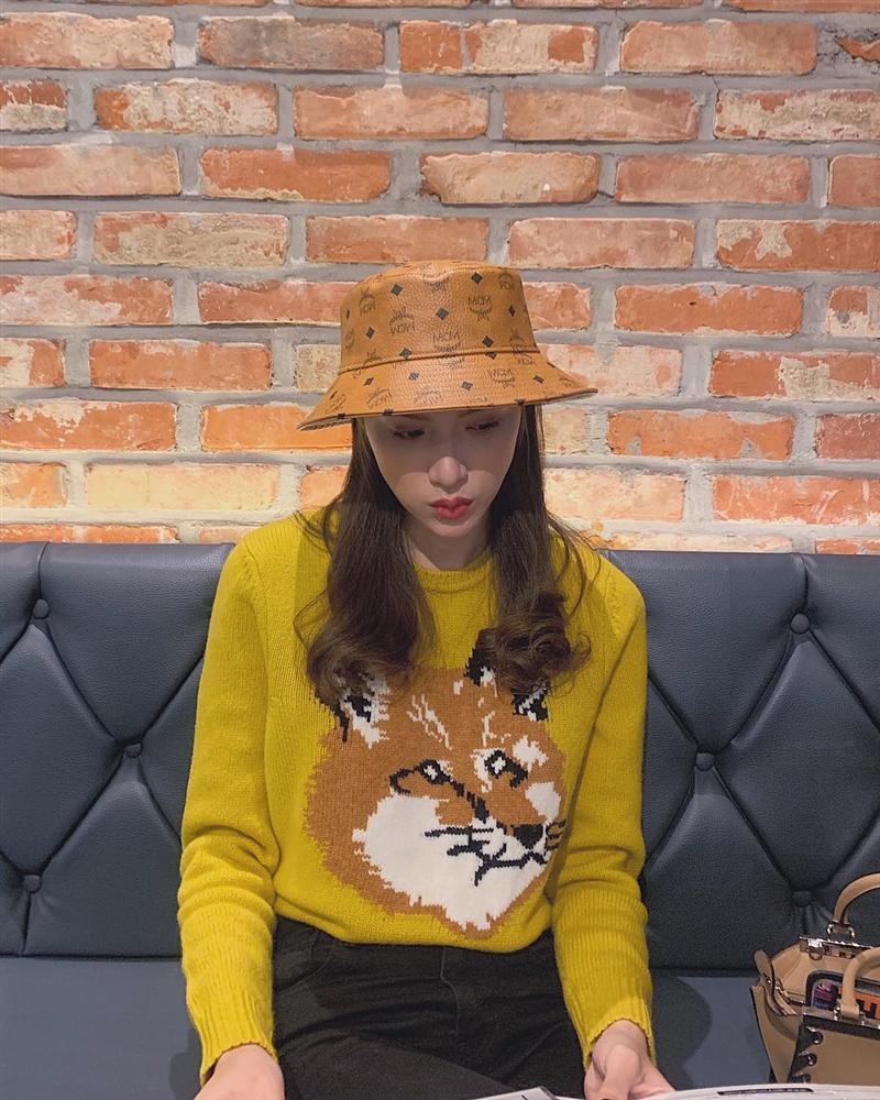 Lần hiếm hoi Tăng Thanh Hà mặc áo hai dây sexy khoe vòng 1 hững hờ-7