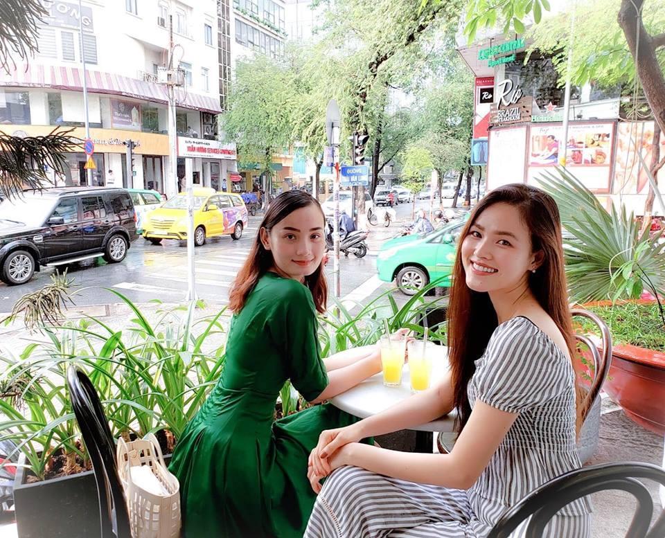 Lần hiếm hoi Tăng Thanh Hà mặc áo hai dây sexy khoe vòng 1 hững hờ-10