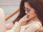 Lần hiếm hoi Tăng Thanh Hà mặc áo hai dây sexy khoe vòng 1 hững hờ