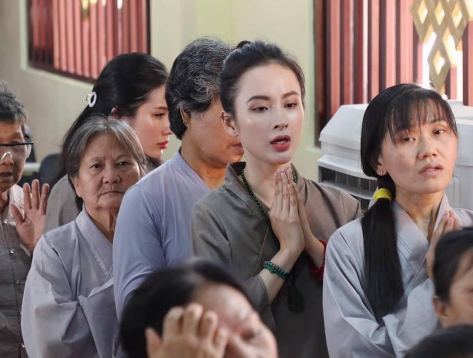 Không còn nghiện khoe thân, Angela Phương Trinh tuổi 24 đẹp nền nã trong bộ đồ phật tử-9