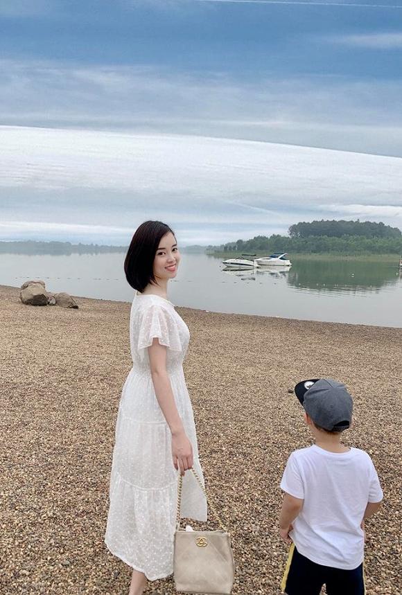 Chỉ là chụp ảnh đi nghỉ dưỡng thôi nhưng mẹ con Ly Kute lại mỗi người một vẻ như sắp sửa được lên bìa tạp chí-4