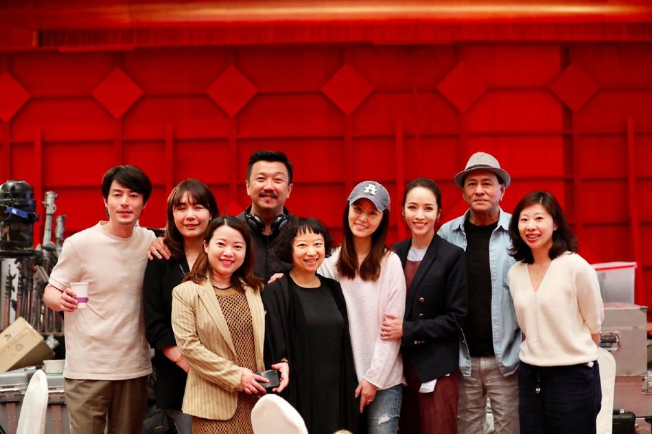 Đã ngoài 40, Lâm Tâm Như đến thăm Hoắc Kiến Hoa để nguyên mặt mộc trẻ đẹp thu hút mọi sự chú ý-3