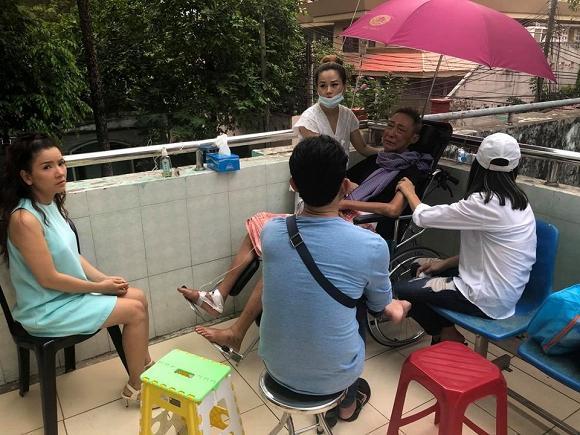 Bật khóc khi gặp Cát Phượng, nghệ sĩ Lê Bình khiến ai cũng xót xa: Lần này anh đau quá em ơi-1