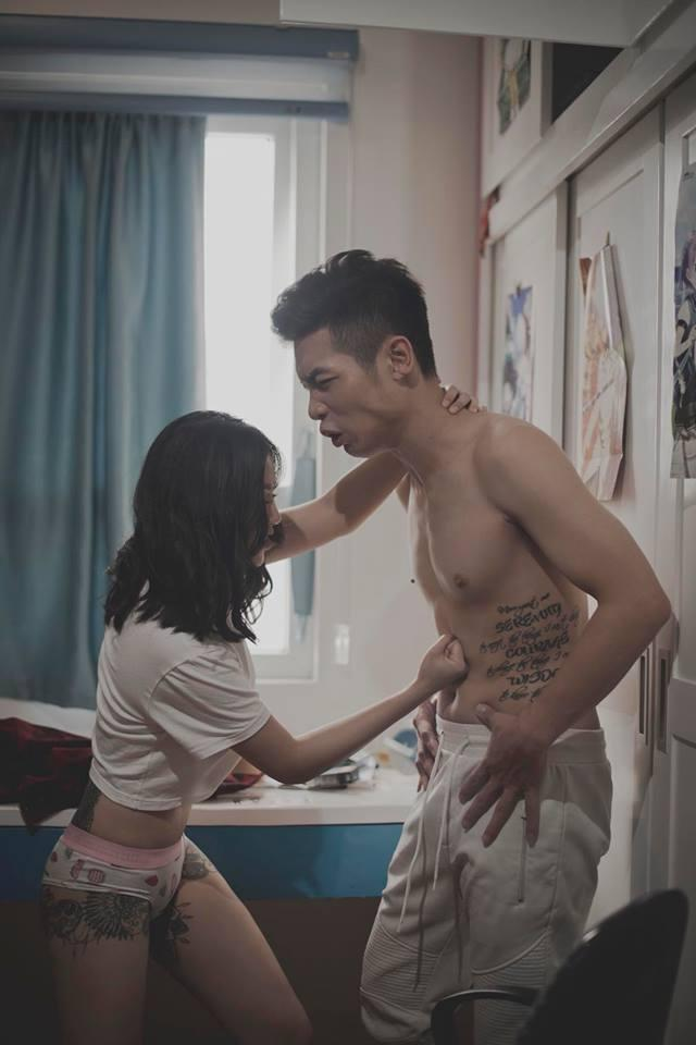 Linh Miu gây xôn xao với bộ ảnh 18+ đủ mọi tư thế cùng bạn trai-7