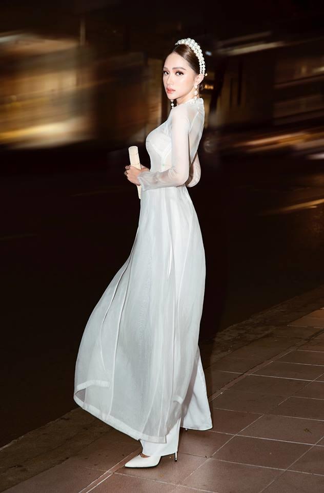 Cứ diện váy áo tông trắng từ Đặng Thu Thảo, Hương Giang đến Đông Nhi đều chinh phục khán giả-6