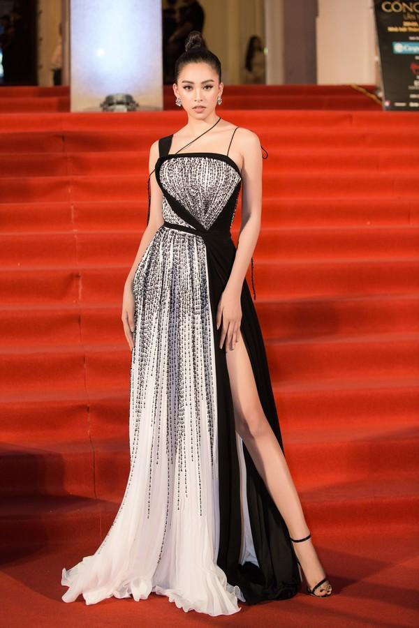 Cứ diện váy áo tông trắng từ Đặng Thu Thảo, Hương Giang đến Đông Nhi đều chinh phục khán giả-11