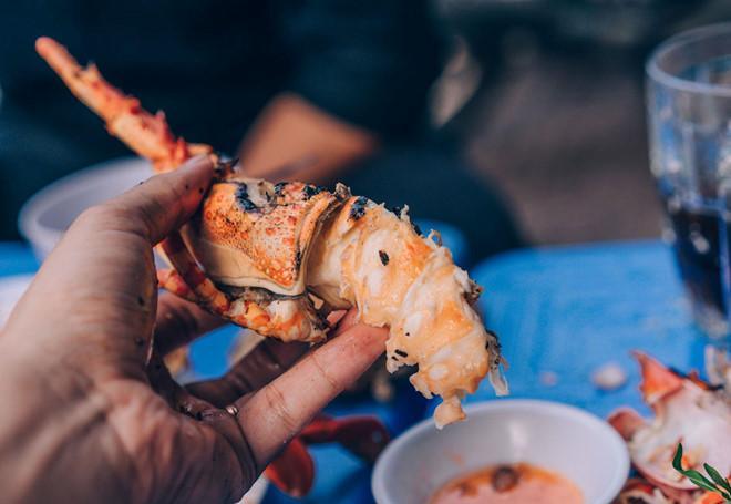Đã mắt trước thiên đường ẩm thực tôm hùm, cua hấp ở Nha Trang-2