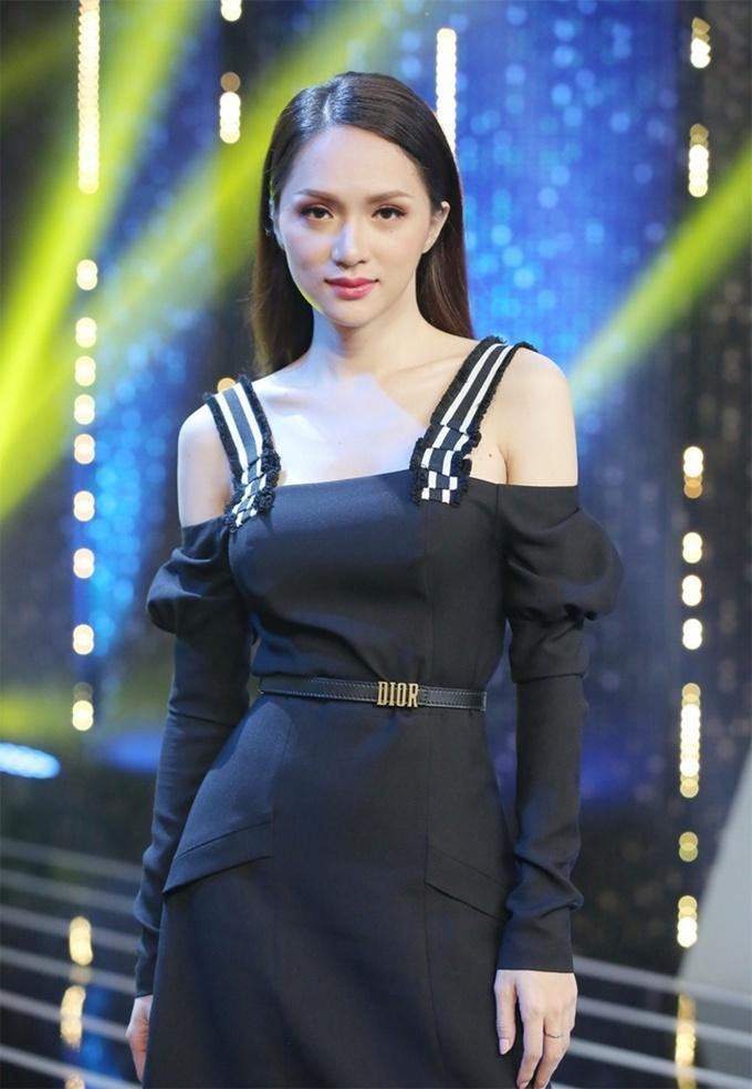 Đi mai mối mà Hương Giang mặc đẹp lấn át, có phải muốn hút hết trai đẹp hay không?-8