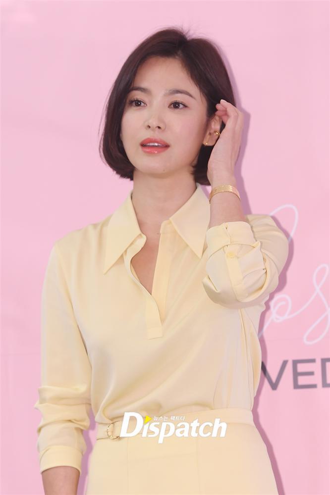 Cận cảnh gương mặt đẹp không tì vết của mỹ nhân U40 Song Hye Kyo-6