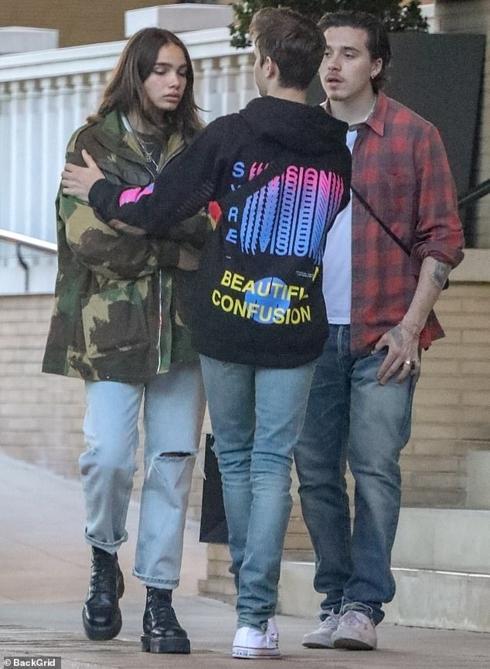Con trai David Beckham bật khóc khi cãi vã với bạn gái ngay trên phố-3