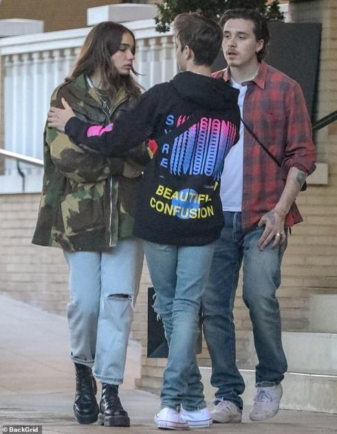 Con trai David Beckham bật khóc khi cãi vã với bạn gái ngay trên phố-4