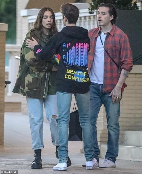 Con trai David Beckham bật khóc khi cãi vã với bạn gái ngay trên phố-7
