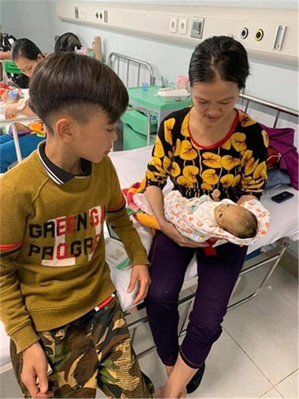 Bác sĩ đã cố hết sức, em trai cậu bé Sơn La Vì Quyết Chiến vượt 103km bằng xe đạp về nhà yên nghỉ-2