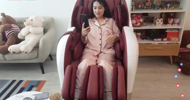 Chỉ từ sinh nhật Trường Giang, Nhã Phương vừa lộ thông tin con gái vừa thể hiện sở thích ăn mặc cực kỳ thú vị-7