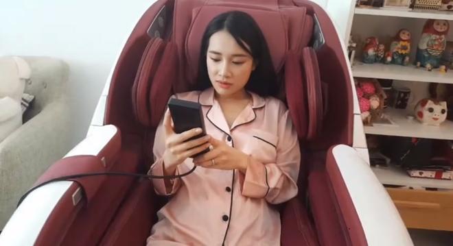 Chỉ từ sinh nhật Trường Giang, Nhã Phương vừa lộ thông tin con gái vừa thể hiện sở thích ăn mặc cực kỳ thú vị-8