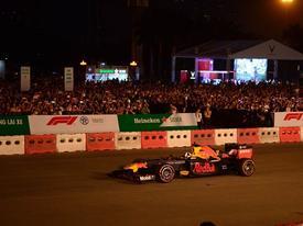 Tay đua F1 cùng DJ quốc tế 'khuấy động' sân Mỹ Đình